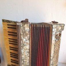 Instrumentos musicales: ANTIGUO ACORDEON LA PALOMA FUNCIONA. Lote 192954140