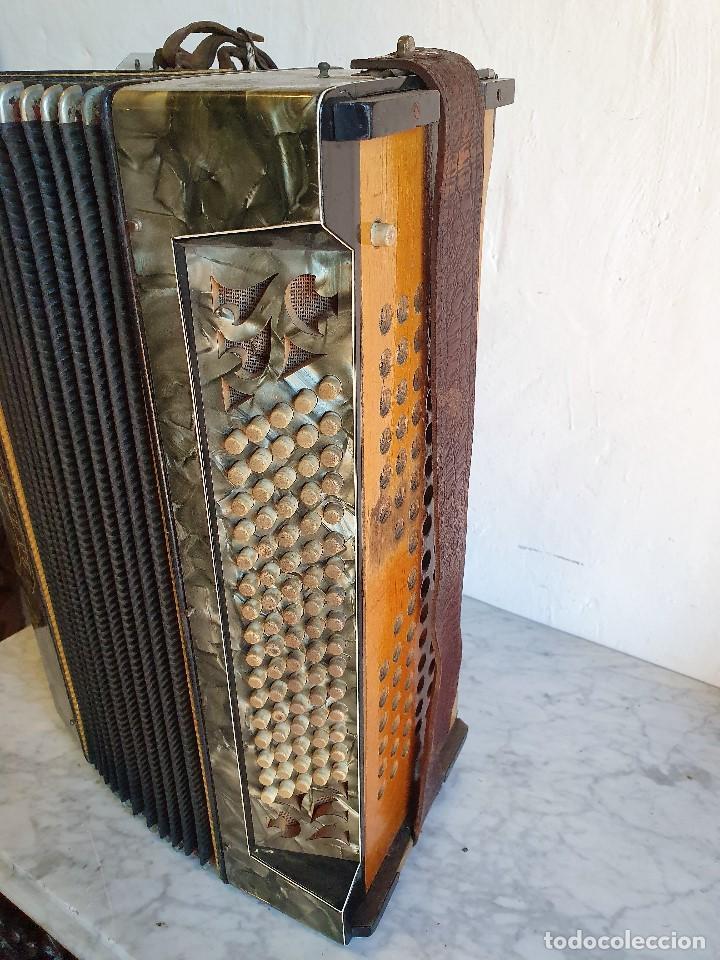 Instrumentos musicales: ANTIGUO ACORDEON LA PALOMA FUNCIONA - Foto 3 - 192954140
