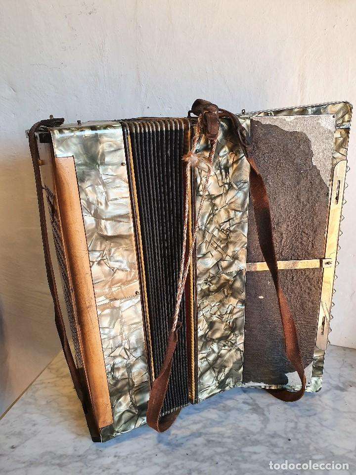 Instrumentos musicales: ANTIGUO ACORDEON LA PALOMA FUNCIONA - Foto 4 - 192954140