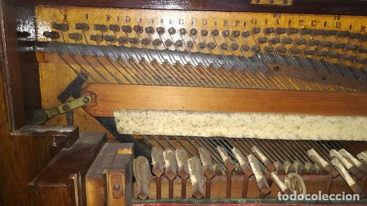 Instrumentos musicales: PIANO DE PARED PATENTE ERARD LONDRES - Foto 26 - 182972555