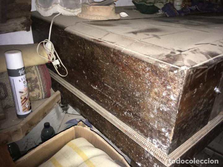 Instrumentos musicales: Antiguo piano clavicordio Ferrer Madrid, está para restaurar. Nogal mide 175x70x84 Vilr - Foto 2 - 193074823