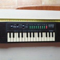 Instrumentos musicales: ANTIGUO TECLADO CASIO PT-22, FUNCIONANDO, FALTAN LAS PILAS. Lote 193874477