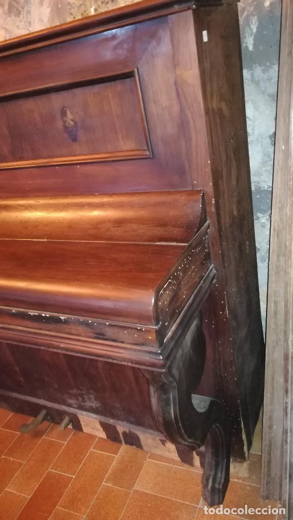 Instrumentos musicales: PIANO DE PARED FIRMA STAUB SIGLO XIX - Foto 3 - 193993358