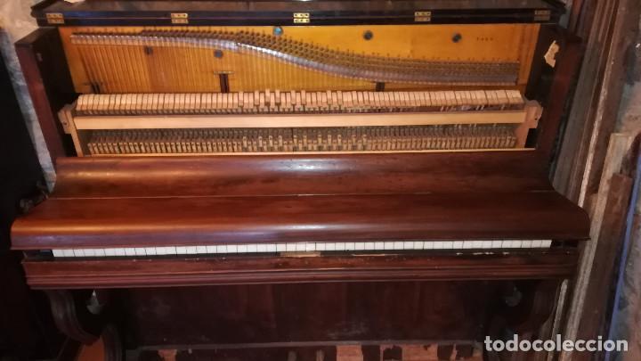 Instrumentos musicales: PIANO DE PARED FIRMA STAUB SIGLO XIX - Foto 5 - 193993358