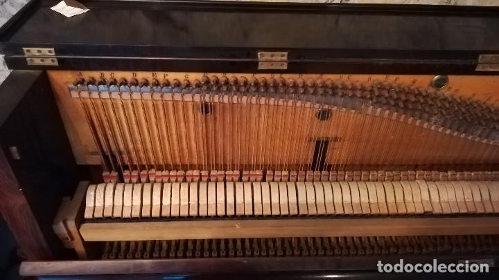 Instrumentos musicales: PIANO DE PARED FIRMA STAUB SIGLO XIX - Foto 7 - 193993358