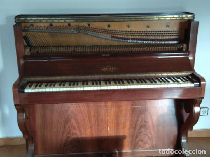 Instrumentos musicales: PIANO ANTIGUO DE ESTUDIO VERTICAL, COLOR NOGAL, MARCA ERARD. - Foto 4 - 194220297