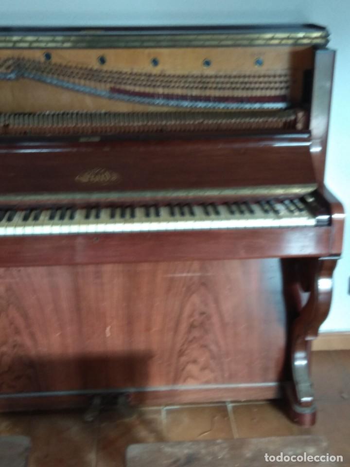 Instrumentos musicales: PIANO ANTIGUO DE ESTUDIO VERTICAL, COLOR NOGAL, MARCA ERARD. - Foto 9 - 194220297