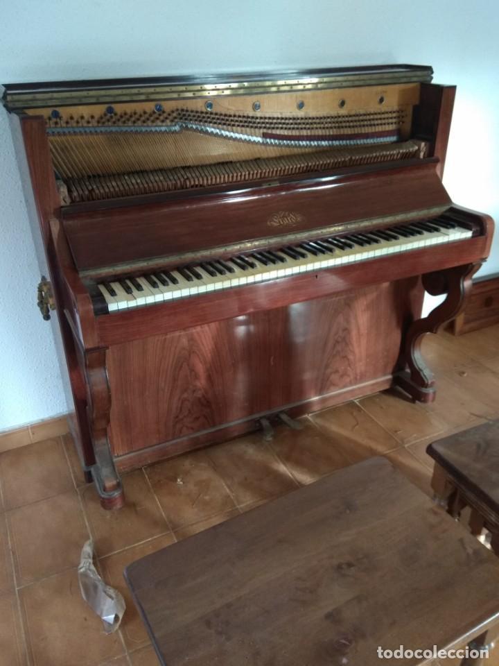 Instrumentos musicales: PIANO ANTIGUO DE ESTUDIO VERTICAL, COLOR NOGAL, MARCA ERARD. - Foto 14 - 194220297