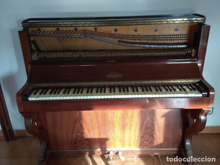 Instrumentos musicales: PIANO ANTIGUO DE ESTUDIO VERTICAL, COLOR NOGAL, MARCA ERARD. - Foto 16 - 194220297