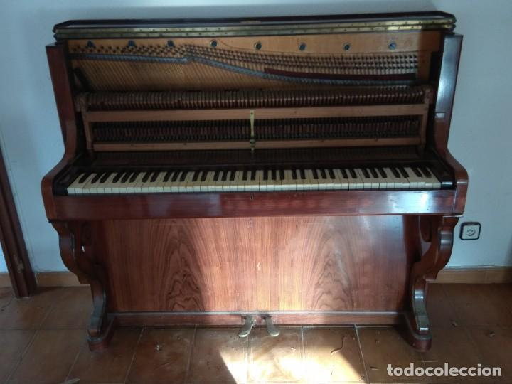 Instrumentos musicales: PIANO ANTIGUO DE ESTUDIO VERTICAL, COLOR NOGAL, MARCA ERARD. - Foto 20 - 194220297