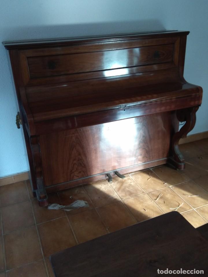Instrumentos musicales: PIANO ANTIGUO DE ESTUDIO VERTICAL, COLOR NOGAL, MARCA ERARD. - Foto 27 - 194220297