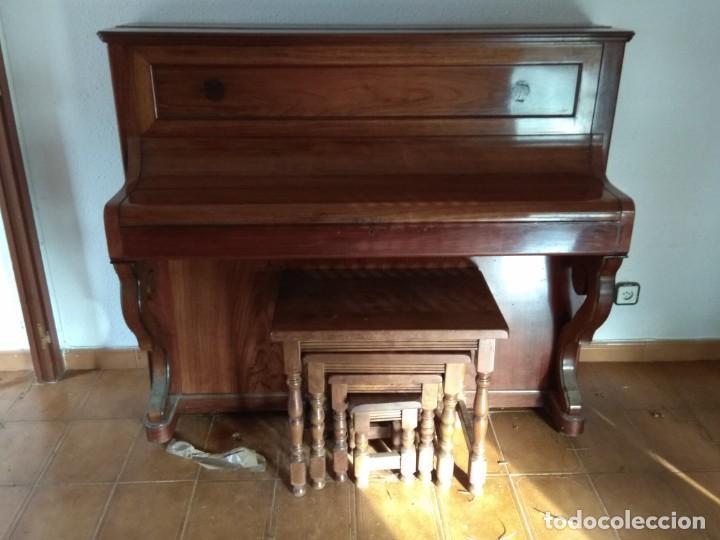 Instrumentos musicales: PIANO ANTIGUO DE ESTUDIO VERTICAL, COLOR NOGAL, MARCA ERARD. - Foto 28 - 194220297