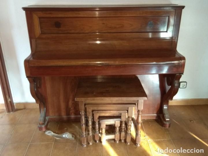 Instrumentos musicales: PIANO ANTIGUO DE ESTUDIO VERTICAL, COLOR NOGAL, MARCA ERARD. - Foto 29 - 194220297