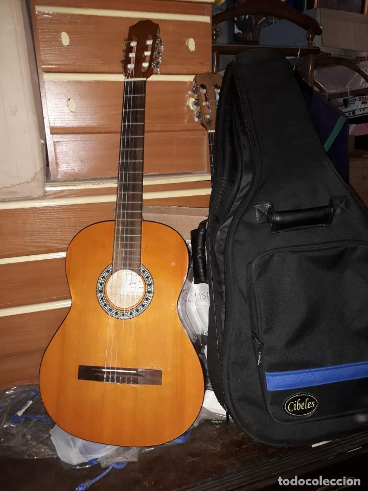 JOSÉ TORRES (Música - Instrumentos Musicales - Guitarras Antiguas)