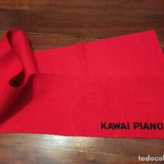 Instrumentos musicales: TELA CUBRE TECLAS DE PIANO KAWAI. Lote 195884303