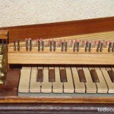 Instrumentos Musicais: INSTRUMENTO DE TECLA: ESPINETINO, COPIA DE UNO DEL S. XVI. Lote 196209050