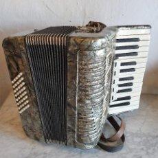 Instrumentos musicales: ACORDEON FUNCIONANDO. Lote 196594117