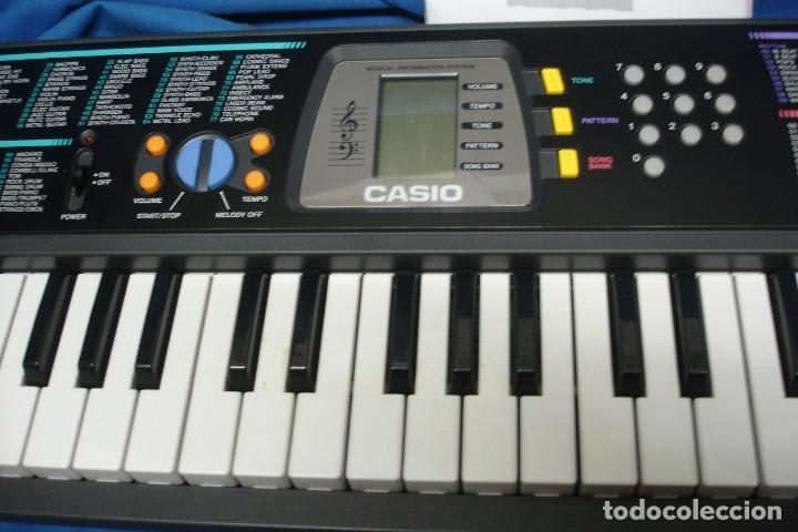 Instrumentos musicales: ORGANO CASIO SA-65 CON MANUALES, TRANSFORMADOR Y CAJA ORIGINAL - FUNCIONA - Foto 3 - 197301936