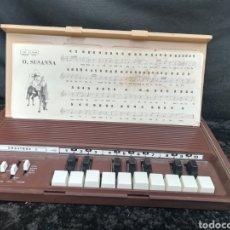 Instrumentos musicales: VIEJO TECLADO PORTÁTIL ORGATRON 1. Lote 198150476
