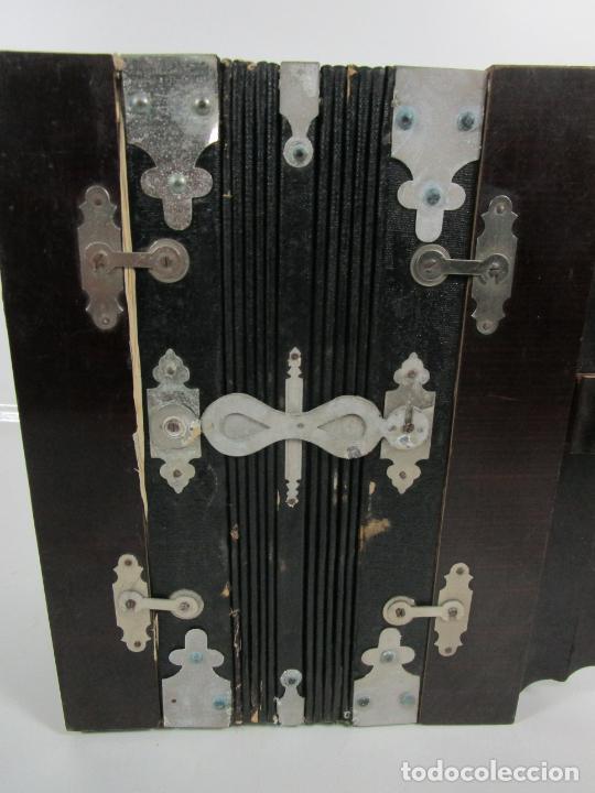 Instrumentos musicales: Antiguo Acordeón Diatónico - Taracea de Madera - Teclas en Nácar - Funcionando - Finales S. XIX - Foto 13 - 199949032