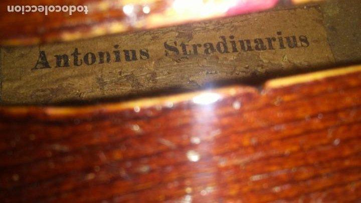 Instrumentos musicales: ANTIGUO VIOLIN INTERIOR FIRMA Antonius Stradiuarius MALETIN 76 cm violin 59 cm x 36 longitud 620,00 - Foto 4 - 202556562