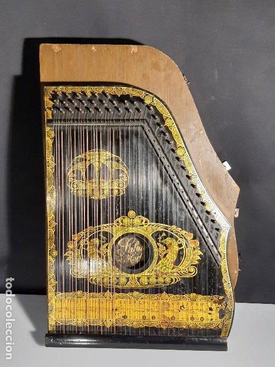 Instrumentos musicales: Cítara con caja. Salon Harfe. Alemania. Siglo XIX-XX. - Foto 2 - 202798308