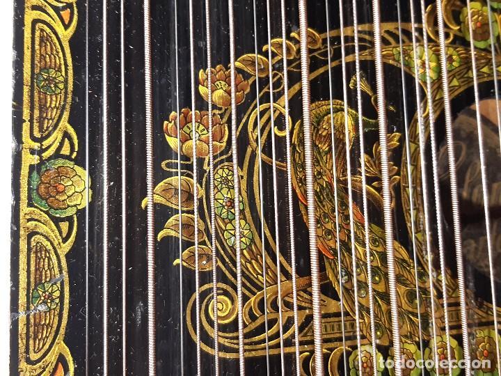 Instrumentos musicales: Cítara con caja. Salon Harfe. Alemania. Siglo XIX-XX. - Foto 8 - 202798308