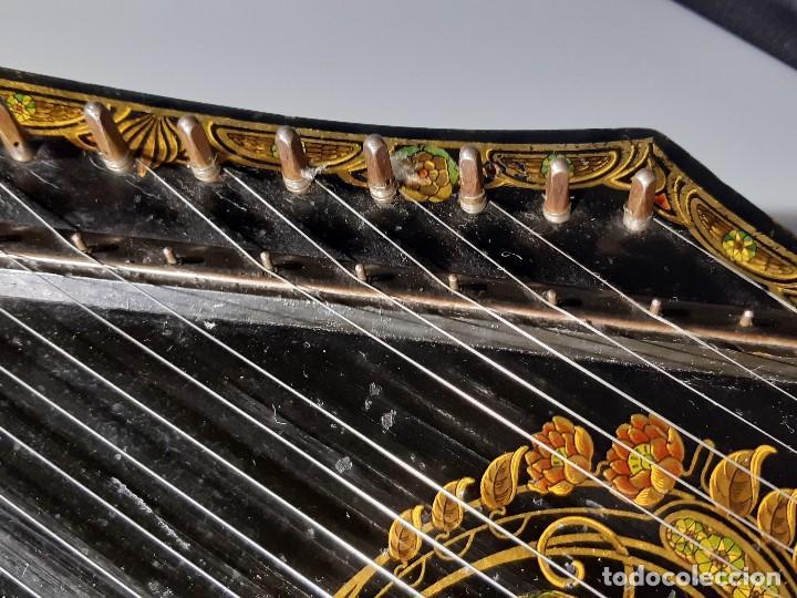Instrumentos musicales: Cítara con caja. Salon Harfe. Alemania. Siglo XIX-XX. - Foto 11 - 202798308