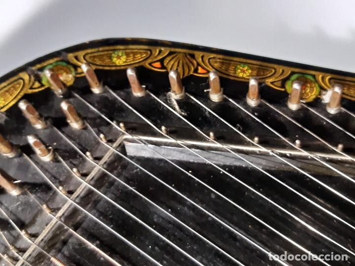 Instrumentos musicales: Cítara con caja. Salon Harfe. Alemania. Siglo XIX-XX. - Foto 13 - 202798308