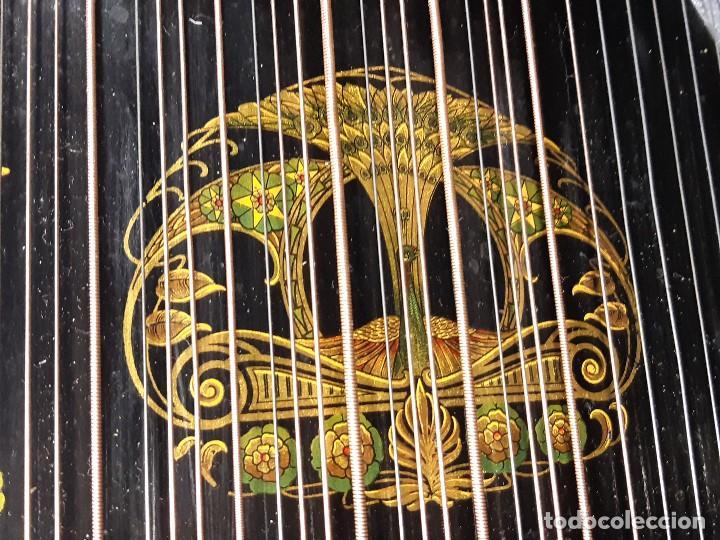 Instrumentos musicales: Cítara con caja. Salon Harfe. Alemania. Siglo XIX-XX. - Foto 16 - 202798308