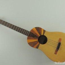 Instrumentos musicales: GUITARRA PEQUEÑA DE CUATRO CUERDAS. Lote 203952315