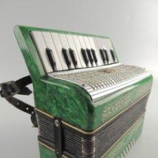 Instrumentos musicales: ANTIGUO ACORDEÓN RUSO MALIOSH TAMAÑO PEQUEÑO INFANTIL BUEN ESTADO AUTENTICO INSTRUMENTO MUSICAL. Lote 203953592