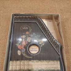Instrumentos musicales: ANTIGUA CITARA EN SU CAJA ORIGINAL KONZERT - SALON - HARFE. WILLY ALBERT KG. Lote 204758226