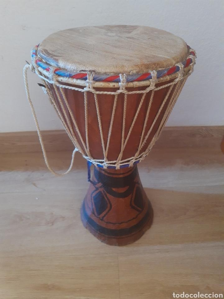 TAMBOR AFRICANO. 42 CM DE ALTO. TALLA DE MADERA (Música - Instrumentos Musicales - Percusión)
