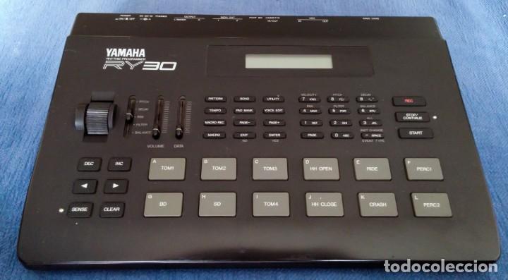 YAMAHA RY30 DRUM MACHINE. CAJA DE RITMOS (Música - Instrumentos Musicales - Teclados Eléctricos y Digitales)