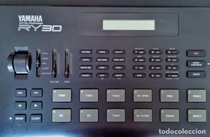 Instrumentos musicales: Yamaha RY30 Drum Machine. Caja de ritmos - Foto 3 - 205096728
