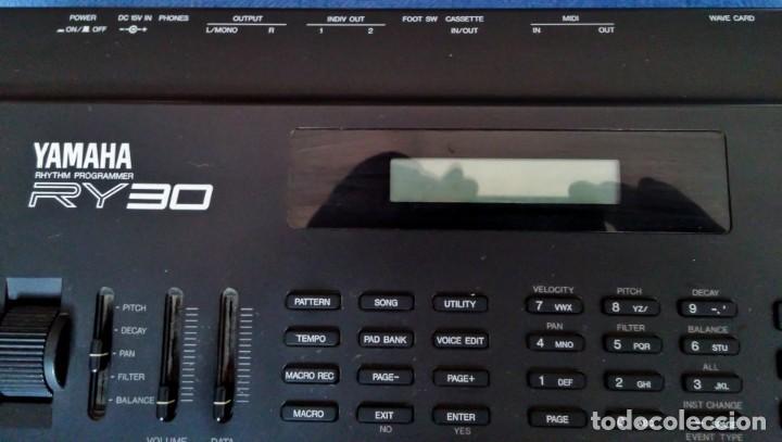 Instrumentos musicales: Yamaha RY30 Drum Machine. Caja de ritmos - Foto 4 - 205096728