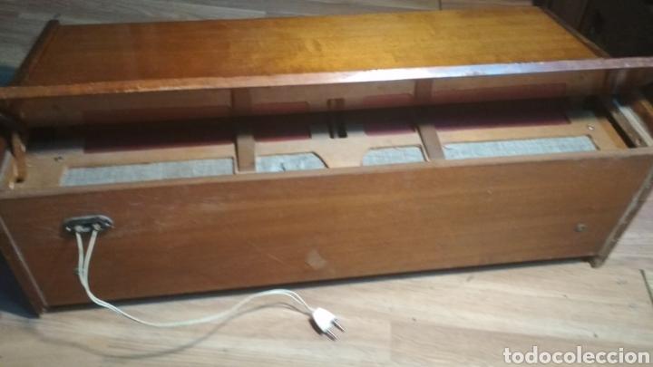 Instrumentos musicales: Organo años 60 Trovador. - Foto 4 - 205590721