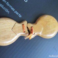 Instrumentos musicales: CASTAÑUELA - MADERA. Lote 206369822