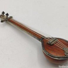 Instrumentos musicales: TAMBURA EN MINIATURA EN MADERA NOBLE Y PLATA DE LEY 925MM.. Lote 206877017