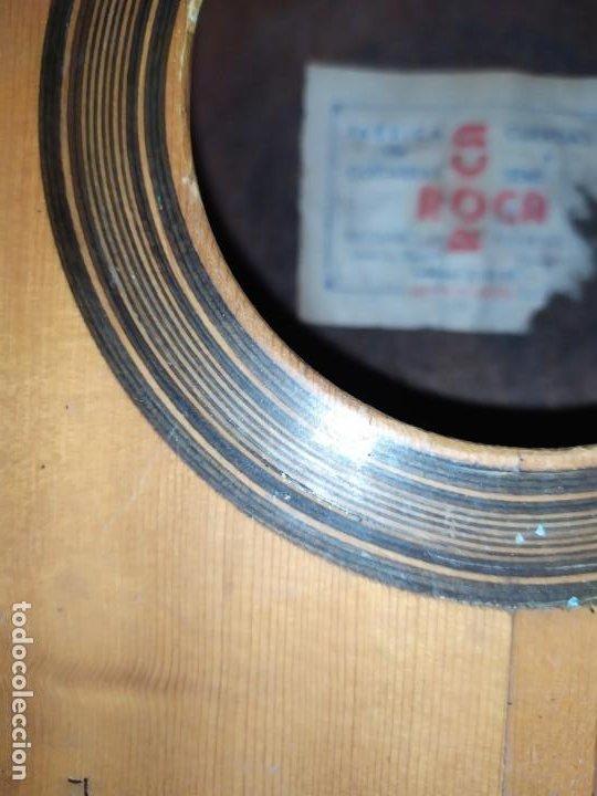 Instrumentos musicales: LOTE DOS ANTIGUAS GUITARRAS RESTAURAR MARCA ROCA ( VALENCIA) Y LA PERET ESPAÑA ÚNICA? - Foto 8 - 207670488