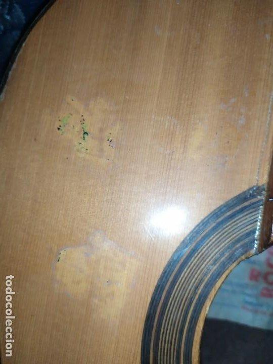 Instrumentos musicales: LOTE DOS ANTIGUAS GUITARRAS RESTAURAR MARCA ROCA ( VALENCIA) Y LA PERET ESPAÑA ÚNICA? - Foto 9 - 207670488