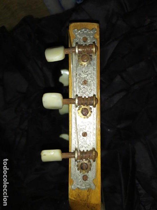 Instrumentos musicales: LOTE DOS ANTIGUAS GUITARRAS RESTAURAR MARCA ROCA ( VALENCIA) Y LA PERET ESPAÑA ÚNICA? - Foto 16 - 207670488