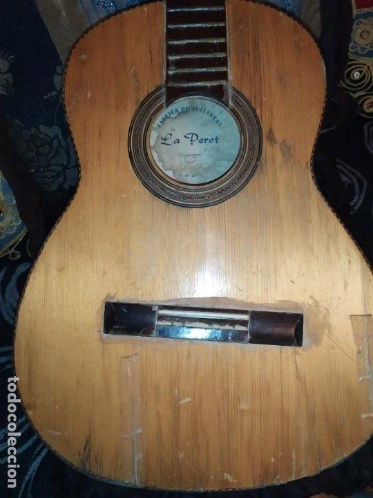 Instrumentos musicales: LOTE DOS ANTIGUAS GUITARRAS RESTAURAR MARCA ROCA ( VALENCIA) Y LA PERET ESPAÑA ÚNICA? - Foto 23 - 207670488