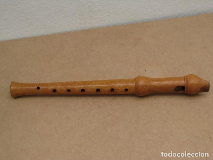 Instrumentos musicales: Flauta dulce de madera. - Foto 2 - 208041975