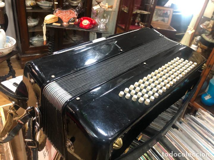 Instrumentos musicales: MUY ANTIGUO ACORDEON CON MALETIN ORIGINAL - Foto 5 - 208485895
