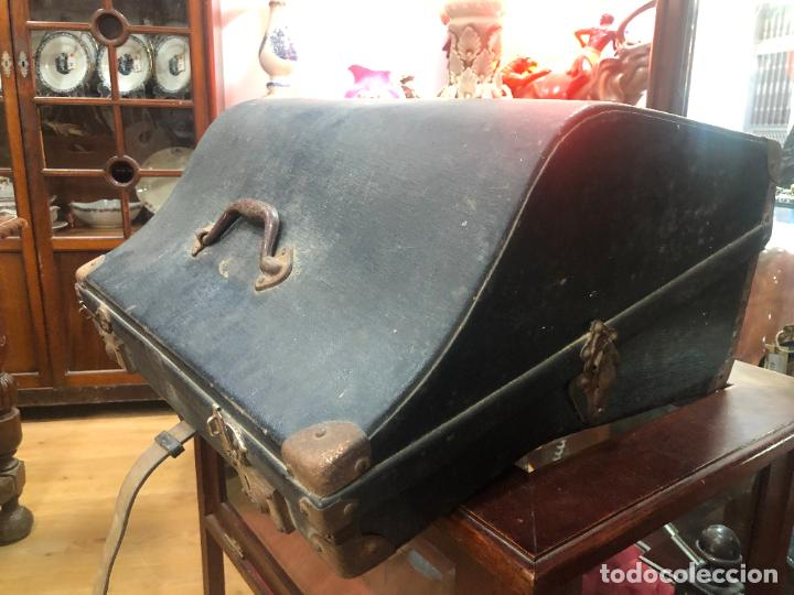 Instrumentos musicales: MUY ANTIGUO ACORDEON CON MALETIN ORIGINAL - Foto 14 - 208485895
