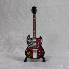 Instrumentos musicales: MINI GUITARRA DE AC-DC. Lote 208709322