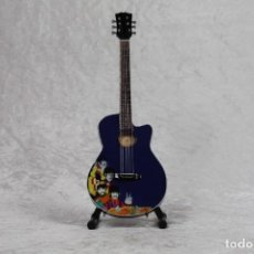 Instrumentos musicales: MINI GUITARRA DE THE BEATLES. Lote 245117635