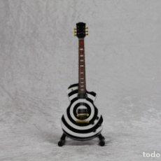 Instrumentos musicales: MINI GUITARRA DE ROCK PSICODELICO. Lote 208720412